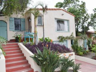 Charming 2bd/2ba Spanish Bungalow