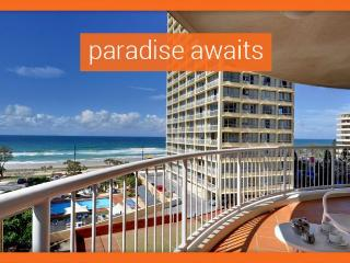 GCHR Moroccan Apt 123 - Premium Beachfront Apartment in Surfers, Surfers Paradise