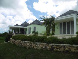 Villa Amazing- Sugar Ridge, Antigua