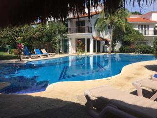 Casa Mayab, 5 minutes from the beach and Downtown, Playa del Carmen