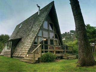 "Guests Say, ""It's the Coolest House in Yachats!!!"""