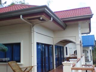 Landhouse - Close to Beach + Ocean View, Puerto Galera