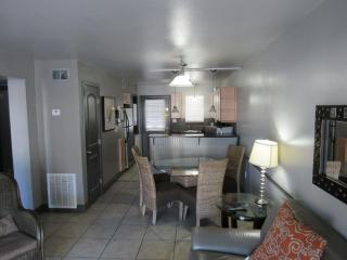 GULF SHORES BEACH FRONT CONDO---HARBOR HOUSE, Gulf Shores