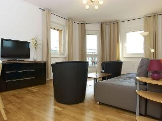 Stralauer Spree III apartment in Friedrichshain {…