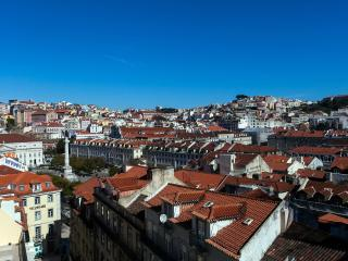 Bright Flat In The Heart Of Lisbon