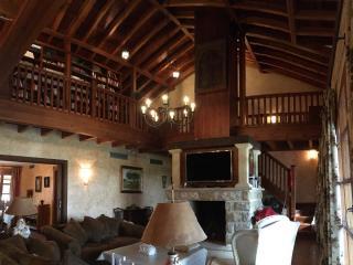 Gran casa de campo junto al río Tormes, Almenara de Tormes