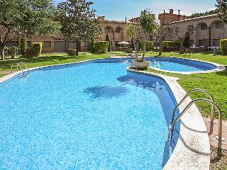 Casa adosada con piscina comunitaria, Calonge.