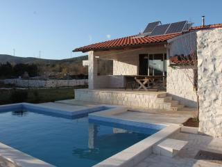 Private House with 2. pools, near Trogir