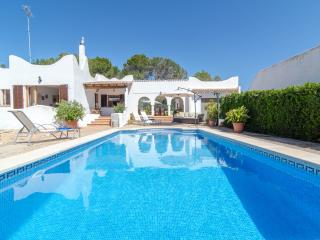 EMBOSTA - Property for 6 people in Cala Pi