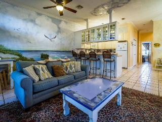 Distinctive, Hand-Painted Destin Beach House 100 Yards from the Gulf