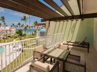 Playa Turquesa K404 - BeachFront, Wi Fi, Inquire About Discount Promo Code
