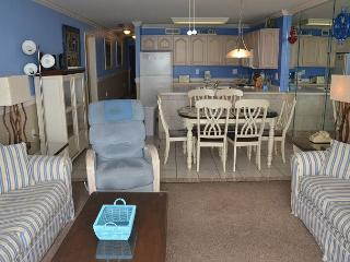 LARGE AND LOVELY 3 BEDROOM SUITE WAITING FOR YOUR ARRIVAL IN GARDEN CITY SC!, Garden City Beach