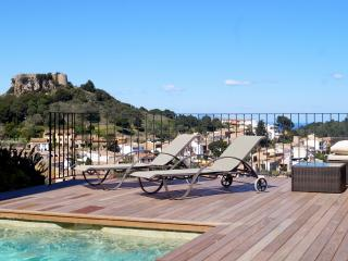 Modern Villa with pool, in Begur Center, sea views, Regencós