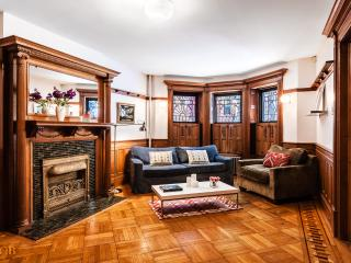 Classical Warmth With Style, Brooklyn
