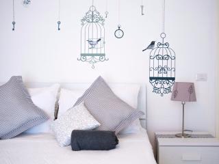 quuen size bed details