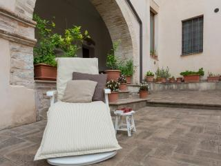 The private courtyard is inviting to relax and rest