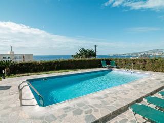 Aura Holiday Villa, Pafos