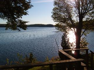Three Bedroom Cottage - 3 Mile Lake