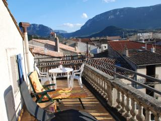 Roof top Terrace. Fantastic views of the town and surrounding mountains.Four sunbeds,tables & chairs