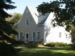 Beautiful Country Home Walking Distance to Water