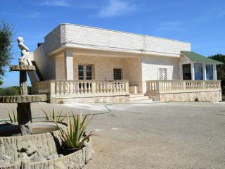 Villa Nonna Mimma  con piscina, Monopoli