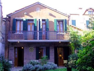'Ca Pavoni' - The apartmenti is located at the 1st floor.