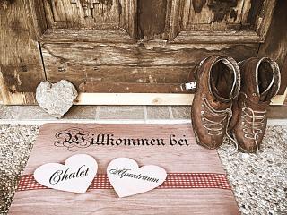 Chalet ALPENTRAUM (Luxus darf RUHIG leistbar sein), Bludenz