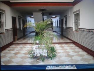 Piso de 4 habitaciones en Cádiz centro.