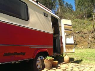 Vintage ECO Caravan with stunning lake views, Pedrogao Grande