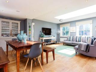 An elegant and beautifully designed family home in Wandsworth, London