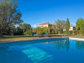 Stylish 2 bedroom villa with private pool, Svoronata