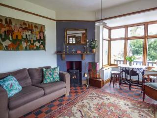 HILL BROW, all ground floor, woodburner, parking, decked terrace, in Church Stretton, Ref 928287