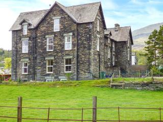 SHEPHERDS VILLA, family friendly, character holiday cottage, with a garden in Coniston, Ref 935173