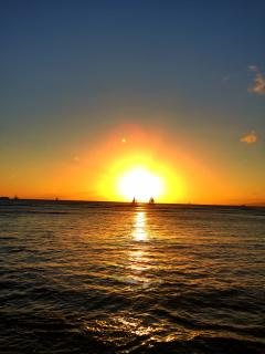 Sunset at Waikiki Beach!