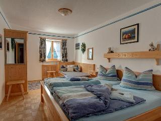 LLAG Luxury Vacation Apartment in Jachenau - 753 sqft, warm, comfortable