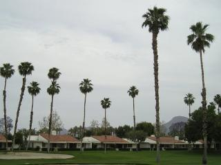 DUR42 - Rancho Las Palmas Country Club - 2 BDRM + DEN, 2 BA, Rancho Mirage