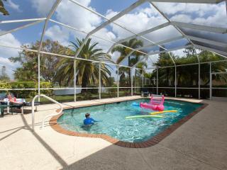 2 storey Naples home with screened pool, sleeps 10