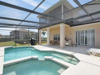 Charming 4 BD/4 Bath House Near Disney. Private Heated Pool & Spa + Game Room.