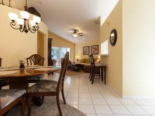 Beautiful & Convenient North Naples Condo