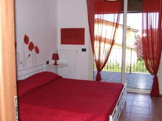 Poppy apartment, Manerba del Garda
