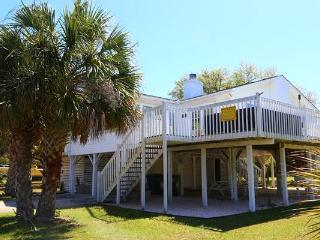 "2602 Myrtle St - ""Sun of a Beach"", Isola Edisto"