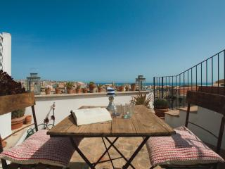 Casa Roberto del Buen Retiro- Design bright Penthouse with terraces sea view.