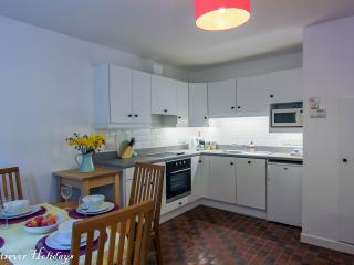 Crotlieve Kitchen - fully equipped with oven/hob, dishwasher, washing machine, and seating for four
