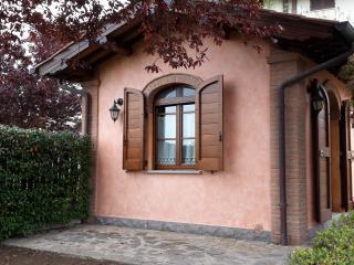 Finestra che si affaccia sul giardino esterno