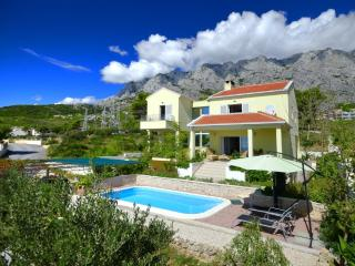 Luxury Villa**** for 6+2 persons, Makarska