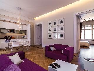 Karoly Premium Deco Suite, WiFi, AC, 2 BR, 2 BA next to Great Synagogue, Budapeste