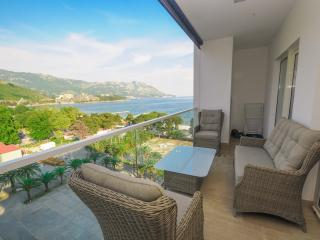 2-Bedroom Apartment Sea View (305), Budva