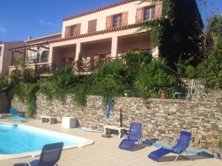 Lovely South Facing House with Private Pool, Collioure