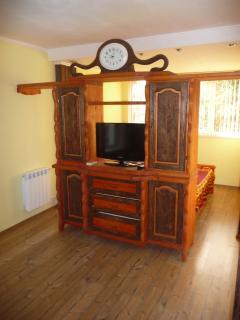 Wohnwand mit Smart TV