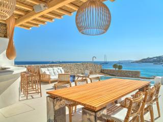 Beautiful Seafront Villa in Mykonos, Mykonos Town